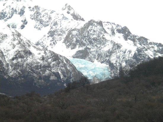 Kospi: Glaciar colgante desde el Fitz Roy