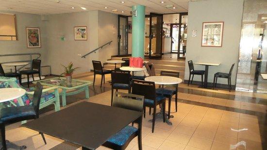Residence Nice Fleurs: Réception-salon-salle des pts déjeuners