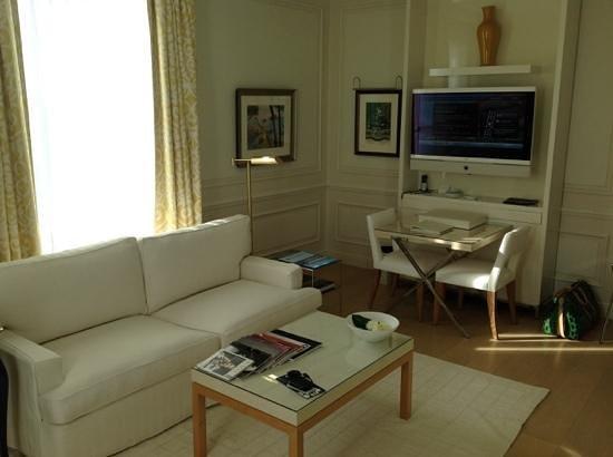 Grand-Hotel du Cap-Ferrat: Superior sea view suite #304