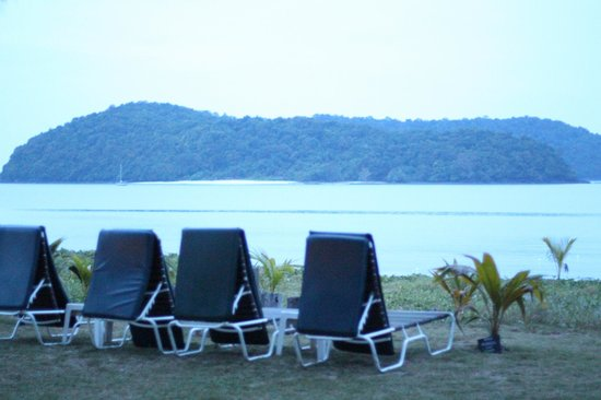 The Frangipani Langkawi Resort & Spa : beach right in front of the room