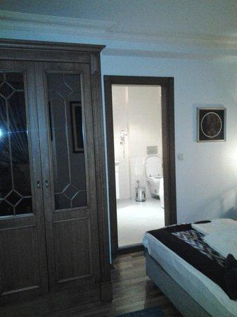 Hotel Djem: Stanza 4