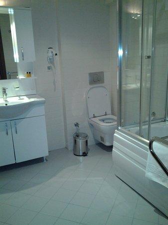Hotel Djem: Bagno stanza 4