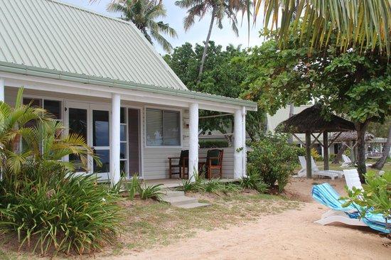 Malolo Island Resort : вид на бунгало