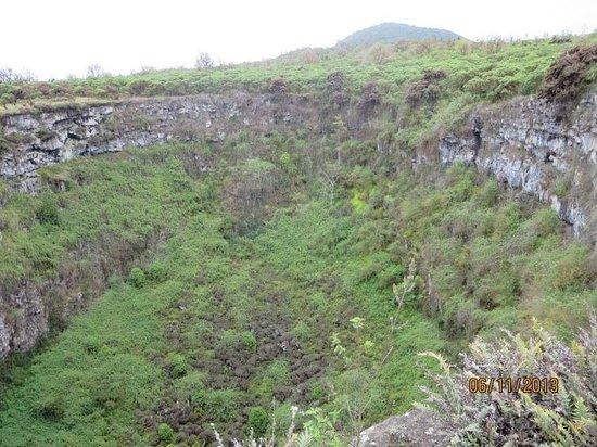 Reserva El Chato: Cavidad volcánica Los Gemelos