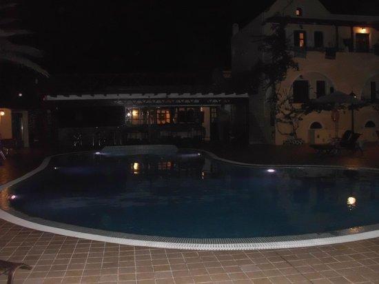 Smaragdi Hotel: Smaragdi Pool Late night !