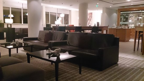 Sheraton Frankfurt Airport Hotel & Conference Center: Club Lounge