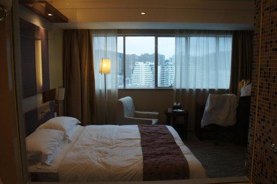 Jingmin Central Hotel: 房間空間足夠