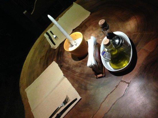 Tierra y Fuego : Romantic table settings...