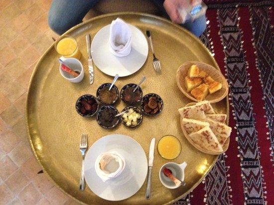 Riad Quara : Délicieux petit déjeuné avec des produits frais