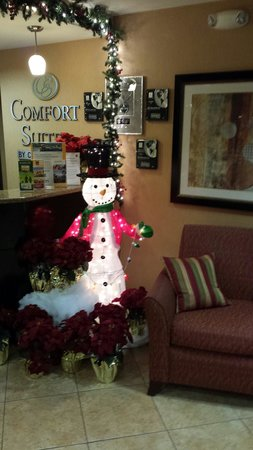 Comfort Suites Ontario Convention Center: Frosty the Snowman at Reception