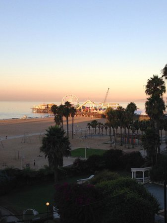 Loews Santa Monica Beach Hotel: The view from our balcony