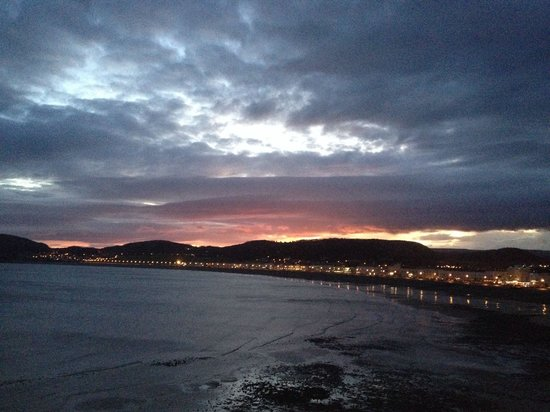 The Grand Hotel - Llandudno : Sunrise