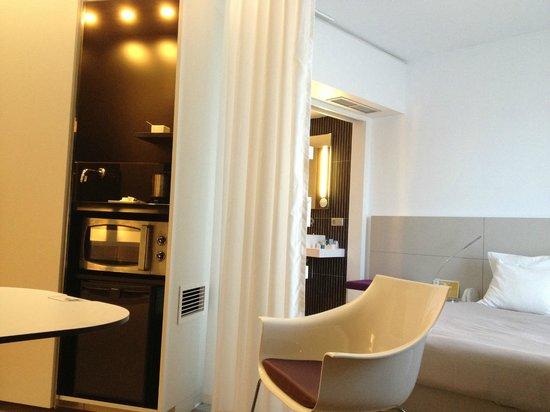 Novotel Suites Malaga Centro: Оборудованный номер