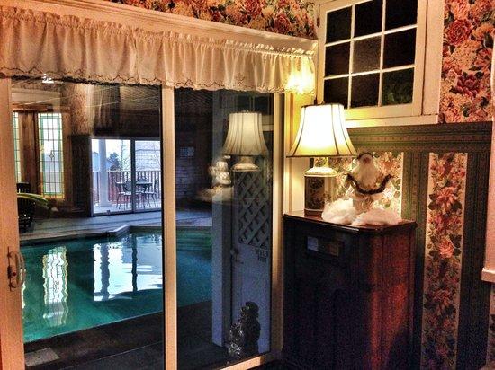 Wilbraham Mansion: Heated indoor pool