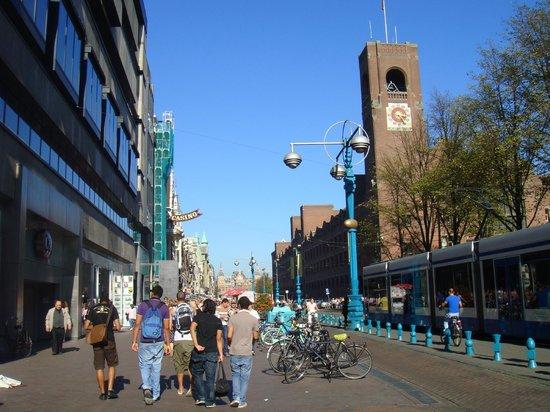 Park Plaza Victoria Amsterdam: Улица рядом с отелем