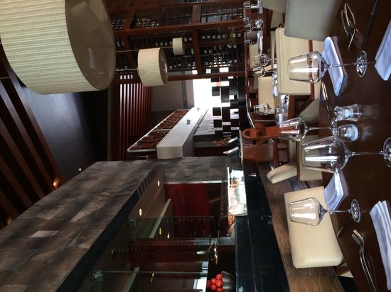 Harry's Grill: Dining Room