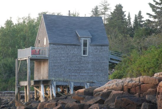 MainStay Cottages & RV Park: Boathouse View from Water