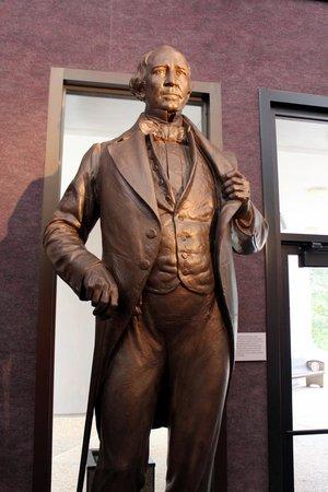 Star of the Republic Museum : Museum of the Republic - Statue of Sam Houston