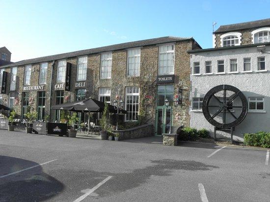Blarney Woollen Mills Hotel: Façade de l'ancien moulin