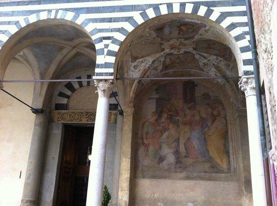 Duomo (Cattedrale di San Zeno): Duomo di Pistoia, esterno, particolare