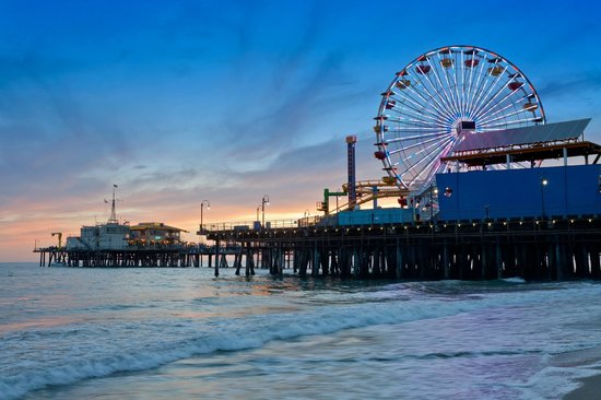 Wyndham Santa Monica At The Pier : The Santa Monica Pier at Night