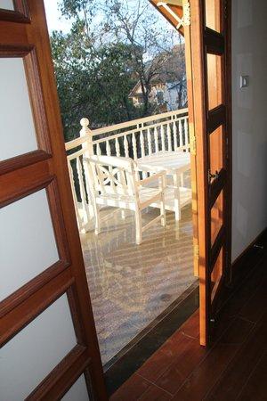 Hoang Anh - Dat Xanh Da Lat Resort: балкон номера
