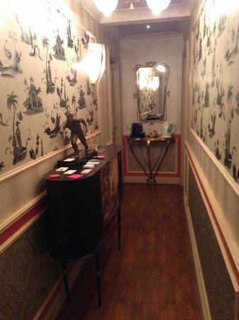 Residenza Borsari: Corridoio ingresso camere