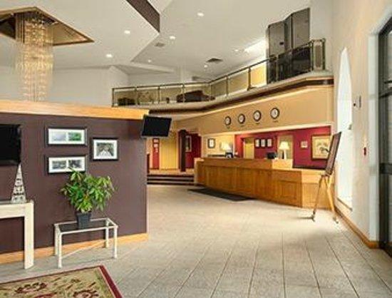 Welland Inn Conference Centre : Nice Lobby