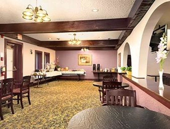 Canadas Best Value Inn Welland Niagara Falls : Breakfast Area