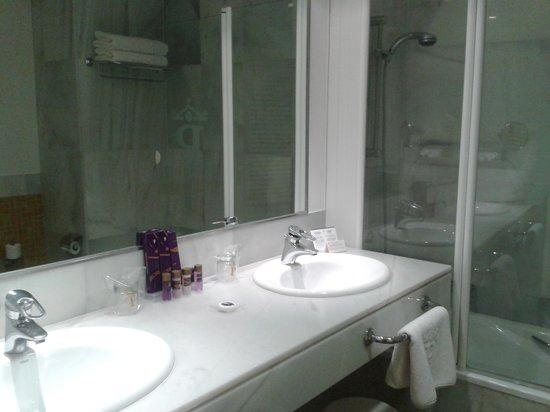 Parador de Nerja: Baño.