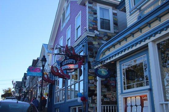 Geddys: Geddy's - Bar Harbor