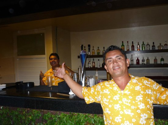 Secrets Vallarta Bay Resort & Spa: Gustavo Mr Service