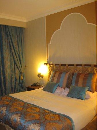 Parsian Safaiyeh Hotel: sleeping room