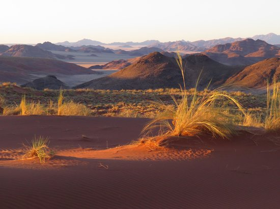 andBeyond Sossusvlei Desert Lodge : From the top of the dunes: off road trip from Sossuvlei
