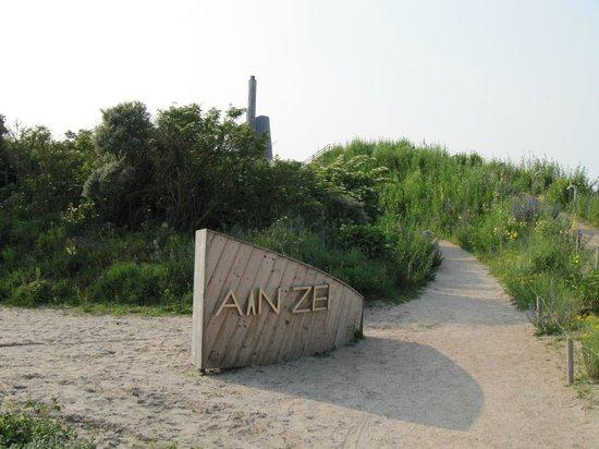 Restaurant Aan Zee : Looppad naar ingang