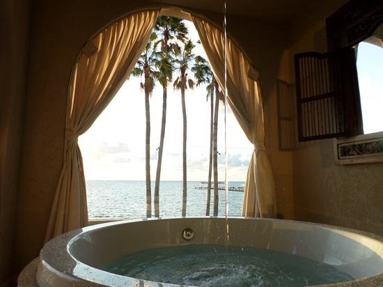 Cheeca Lodge & Spa: soaking tub on balcony