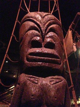 Tonga Room & Hurricane Bar: TIKI!