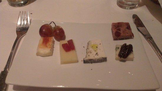 hos Thea: Et utvalg av oster