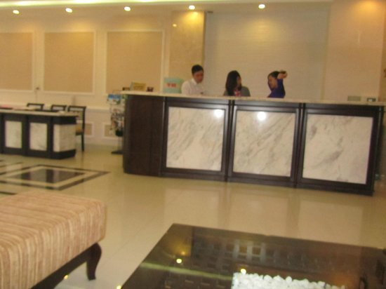 Hue Serene Palace Hotel: reception