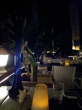 Table at Marandi