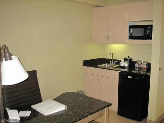 Hampton Inn & Suites Atlantic Beach: Overview