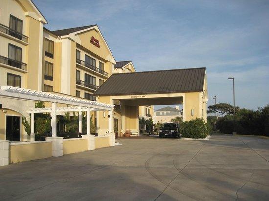 Hampton Inn & Suites Atlantic Beach : Porte cochere