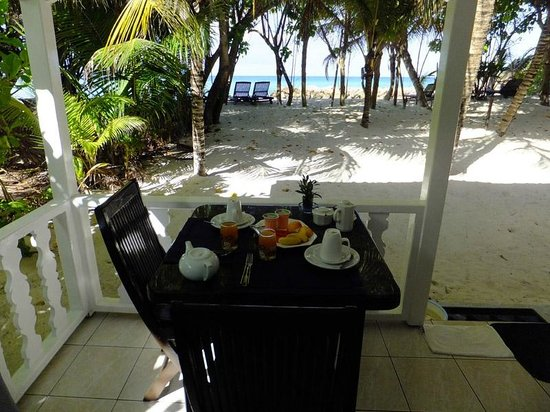 Cap Jean Marie Beach Villas: Breakfast on our terrace