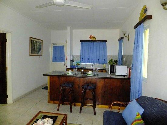 Cap Jean Marie Beach Villas: Petit paradis kitchen