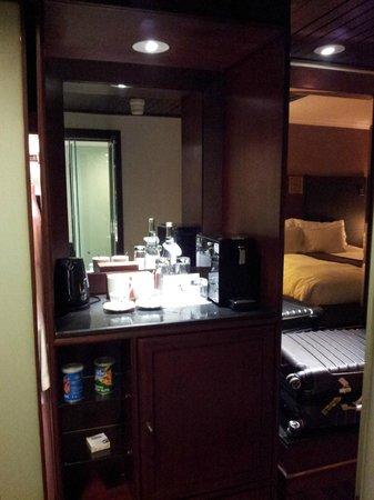 Pullman Bangkok Hotel G: el equipo para te y café