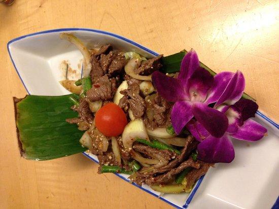 Tuk Tuk Thai: Yam Neau