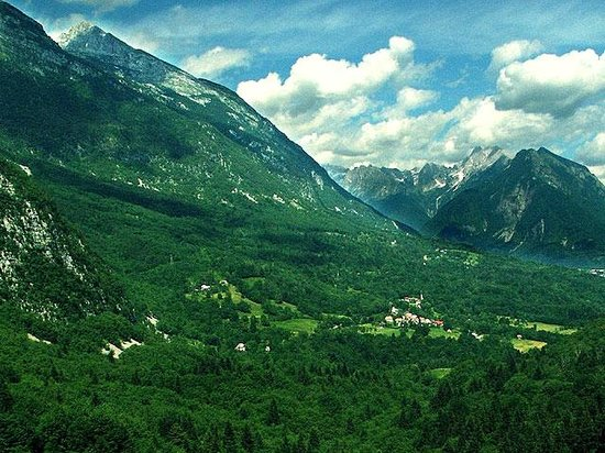 Бовец, Словения: Bovec under Rombon mountain in late summer
