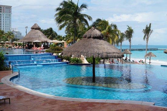 Grand Fiesta Americana Coral Beach Cancun : One of their pools