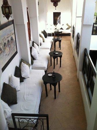 Riad Dar Nimbus: salon