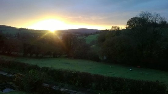 Northend, UK: Sunrise at Ramscombe Cottage